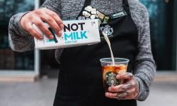 Starbucks y NotCo se alían para traer nuevas opciones de origen vegetal a las tiendas de Chile
