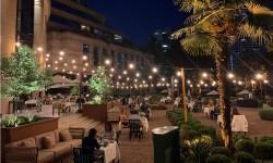 Privacidad y elegancia, cenar en una suite con terraza privada o en los jardines del romantico Mandarin Oriental, Santiago.