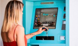 Presenta al mercado el kiosco de check-in y terminales de auto check-in XS-Serie Roommatik